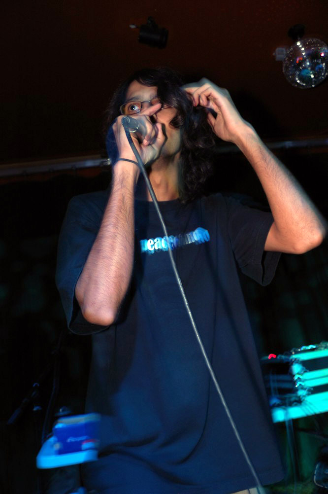 pakman takin control of the mic