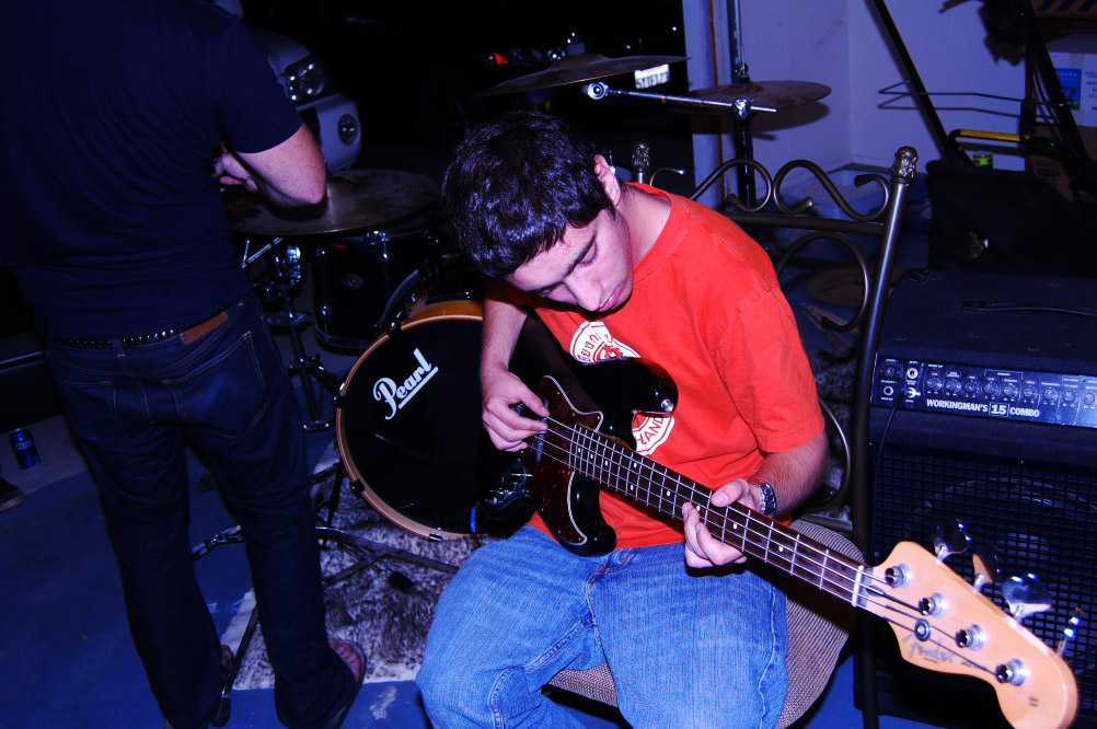 shaddy on bass